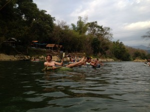 Entspanntes Tubing in Vang Vieng